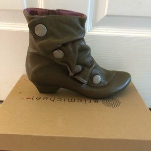 Eric Michael leather boots size 37
